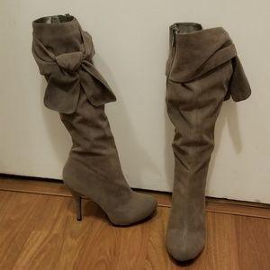 Platform knee high boots grey (*never worn)